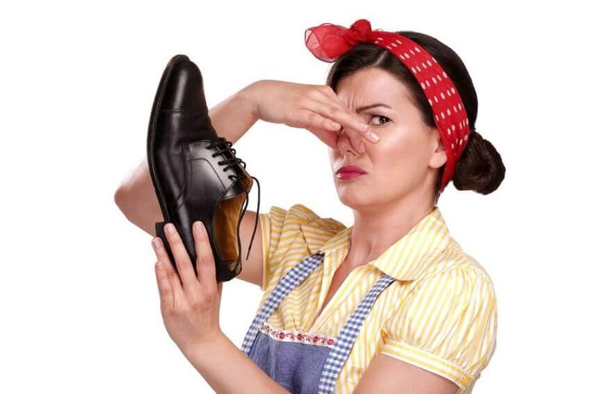 como eliminar mal olor zapatos zapatero
